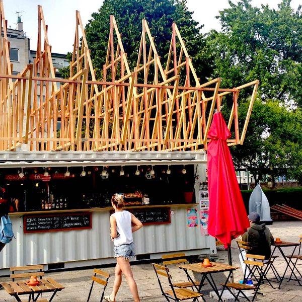 Juni 2019: Bau des Gastrohuts, Foto: Helle Habenicht