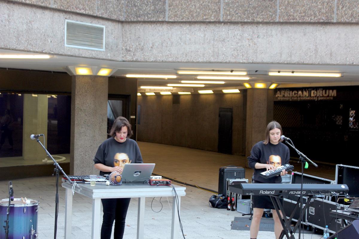 Live auf der Kulturbühne  – Shari Vari, Foto: Helle Habenicht