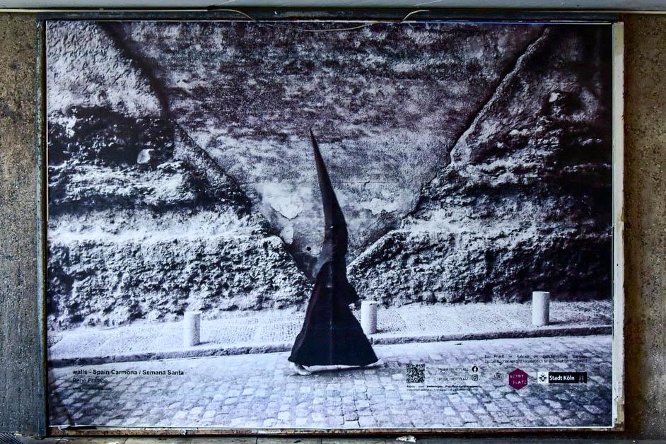 "Rene Frampe – ""walls – Spain, Carmona / Semana Santa"" | August 2021"
